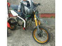 M2r 140 cc pit bike