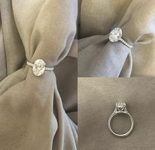 2Ct Oval White Moissanite Solitaire Wedding Engagement Ring