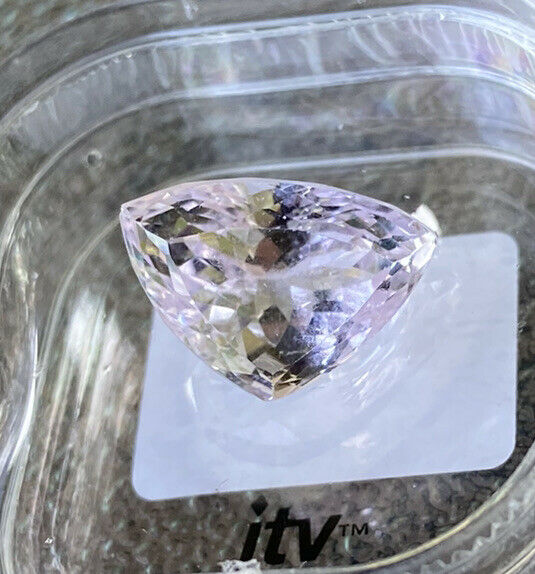kunzite 11.7x16.5mm trillion 11.89ct gemstone