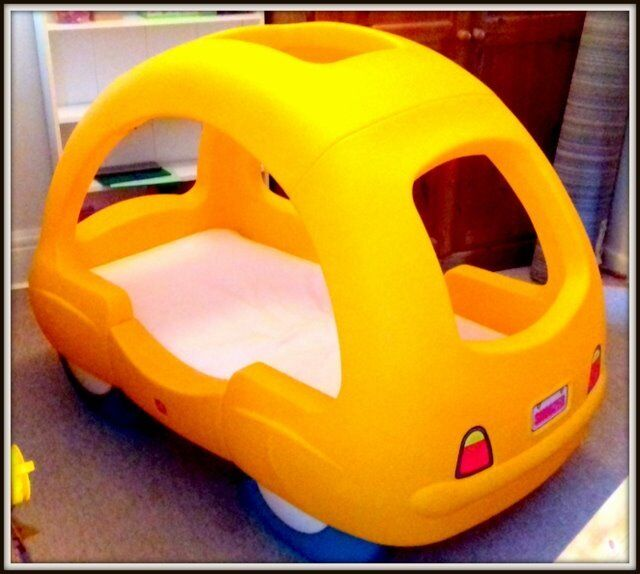 Step 2 Toddler Car Bed- VERY GOOD CONDITION!