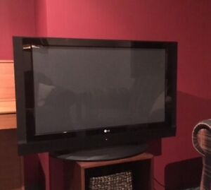"LG Plasma 42"" Digital TV"