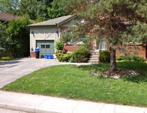 Student house 2 blocks from McMaster - Available May 1st