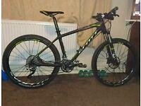 Scott scale 620 carbon fibre mountain bike