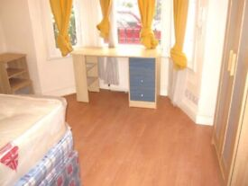 2 bedroom flat on Yeldham road, W6, £370