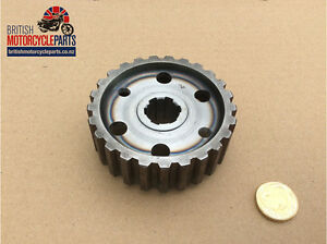 Norton Commando Clutch Centre -06-3979 06-0743