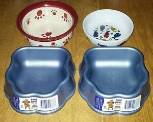 4 cat/dog dishes.