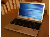 SAMSUNG RV515: Windows 7, 4gb Ram, 250gb HDD, Webcam, Wifi, HDMI, Office