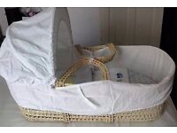 moses basket with duvet & fitted sheet