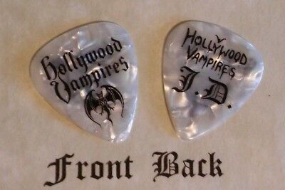 HOLLYWOOD VAMPIRES - DEPP -  band logo signature novelty guitar pick -(w)