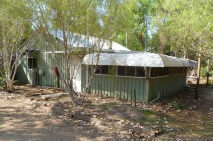 3-bed family home on 5 acres; available 4 Dec