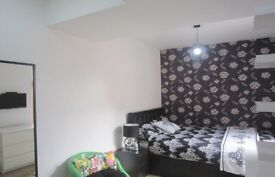 1 double room available in a luxury house , Burton,BILLS INCLUDED