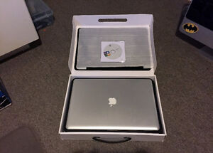 "Apple MacBook Pro 17"" Core i5 @ 2.53GHz [Mid-2010]"