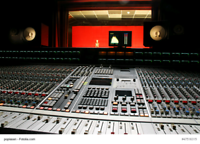 LOOKING TO HIRE AN PROFESSIONAL AUDIO ENGINEER FULL TIME