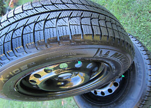 215 60 R16 *Winter Tires *MICHELIN *X-ICE Xi3 *RIMS *Like B/NEW!