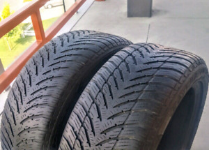 Set of two 205/50/17 Goodyear ultra grip winter tires