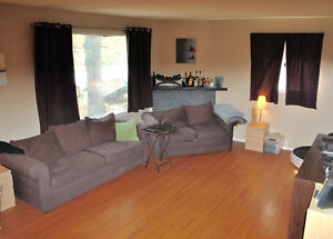 Main floor for rent, University/Southgate area Available June 1
