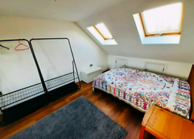 Stunning , spacious well located double room for female (Newbury park)