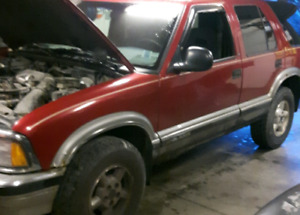PARTING OUT 1997 Chev Blazer