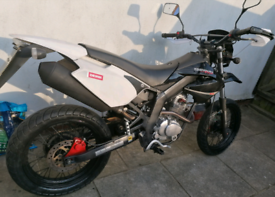 Derbi senda baja 125 motorcycle