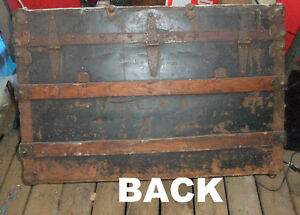 Antique metal and wood steamer trunk West Island Greater Montréal image 7