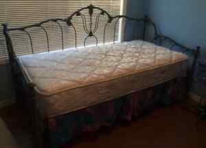 Elliott's Designs Day Bed Made in USA