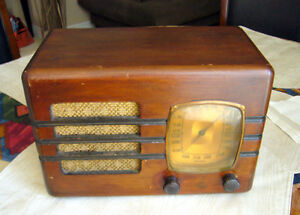 1936 Emerson A 130 Tube Radio w/custom box