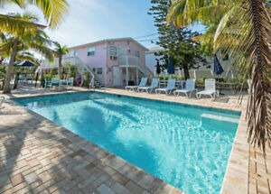 FLAMINGO #3, 2BED UNIT STEPS AWAY FROM THE BEACH,POOL,BBQ