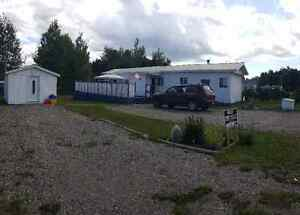 2 BEDROOM MOBILE HOME WITH ALL APPLIANCES AND CENTRAL AIR