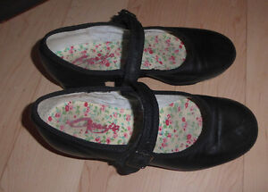 Tap dance shoes sizes 8.5/10/12.5/13.5/1 to 5, jazz shoes size 1 Kitchener / Waterloo Kitchener Area image 7
