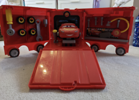 Disney Cars 3 Mack Mobile Tool Center