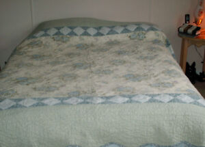 Queen Size Quilt with 2 Shams-REDUCED $30.00