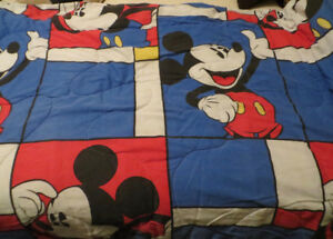VINTAGE MICKEY MOUSE BED QUILT  COMFORTOR - REVERSIBLE TOP