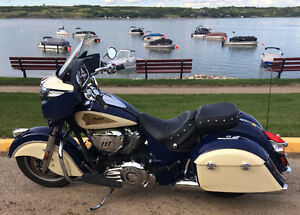 Chieftan Blue & Cream - V-Twin