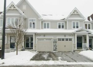 Beautiful 3 Bdrm Town Home Oversized Master Bedroom *BOWMANVILLE