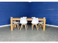 Designer 'Blenheim' EXTENDABLE Solid Oak Dining Table with 6 White Plastic Chairs