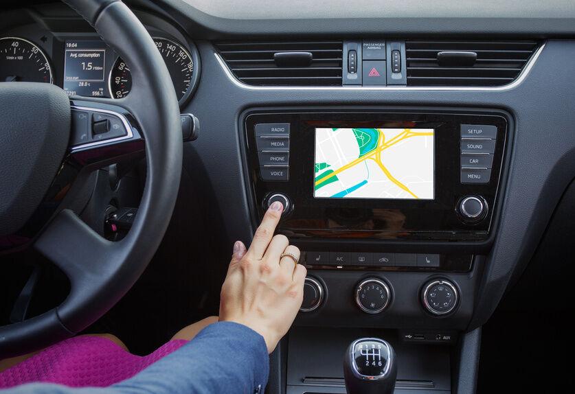 Worauf man beim Kauf von Einbau-Navigationssystemen mit Europakarte achten sollte