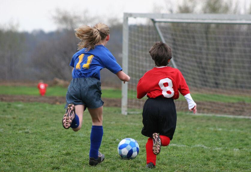 Früh übt sich, wer ein Meister werden will: Fußballschuhe für Kinder