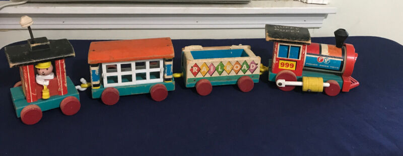 Collectible Vintage 1963 Fisher Price Little People Huffy Puffy Train #999