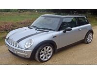 Bargain Mini Cooper in superb condition, with Double sunroof and warranty.