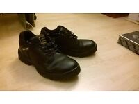 Dunlop safety shoes boots mens used good condition UK size 9.5