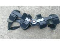 Bred t scope knee brace used