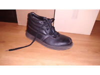 Ankle safety shoes (size 4)