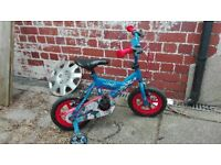 little boys bike with stabilizers