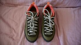 Northface Scend Leather hiking shoes / trainers