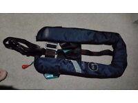 kru Commodore Lifejacket Automatic 150N with Harness