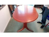 Beautiful table, french polished, extends