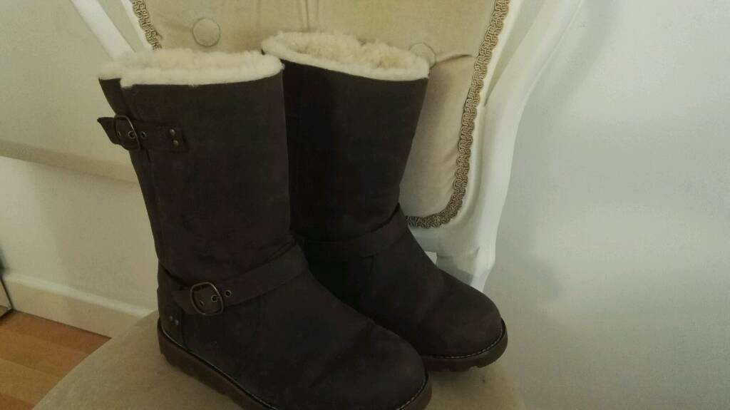 16e1960b45f UGG Boots - Brownstone Noira -Size 5 | in London | Gumtree