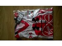 Southampton FC Home strip 3XL gents t Shirt brand new with tags