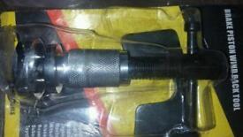 Car brake piston rewind tool when replacing brake pads