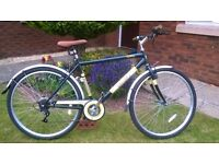 Mens Hybrid BIke.. Unboxed and Assembled but never ridden.. 700C Wheels.. Mudguards.. 6 Gears..Smart